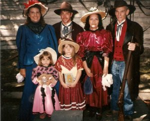 Silver Dollar City 1996 (another family tradition). In the front is my sister, Rachel and me. In the back, my Mom, Dad, Granny and Granddad. Not Thanksgiving related, but that's the only digital pic of Granny and Granddad I have.